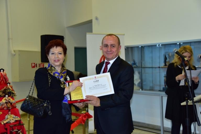Sanatçı Nerkiz Akçura Eser; İstanbul'da Zaman Kadıköy Belediye Başkanı Aykut Nuhoğlu